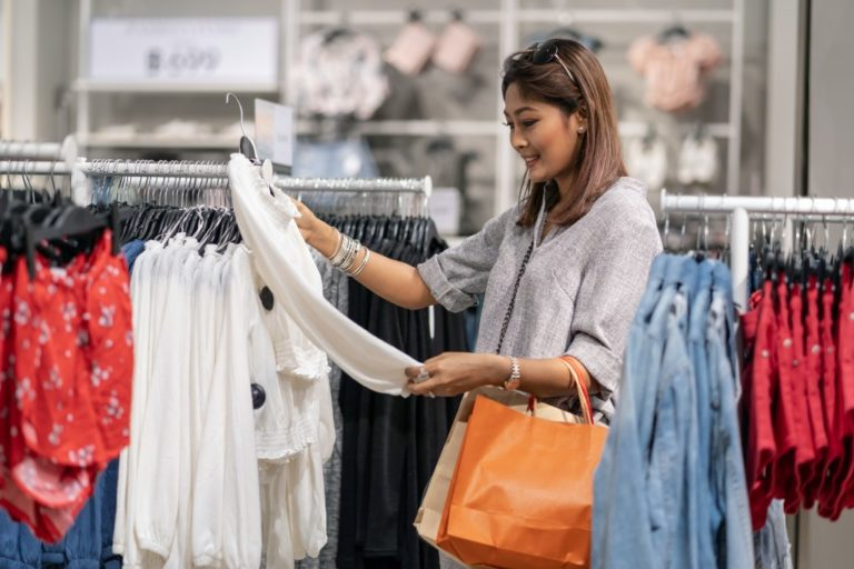 woman shopping clothes in the mall